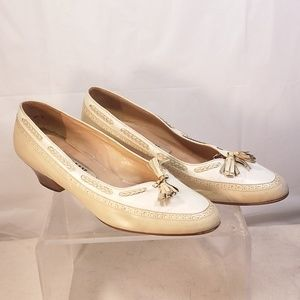 Vintage ivory white loafers heels 2 tone leather